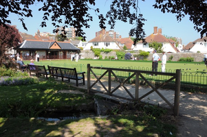 "Mrs L (EASTBOURNE) supporting <a href=""support/motcombe-gardens-eastbourne-bowling-club"">Motcombe Gardens (Eastbourne) Bowling Club</a> matched 2 numbers and won 3 extra tickets"